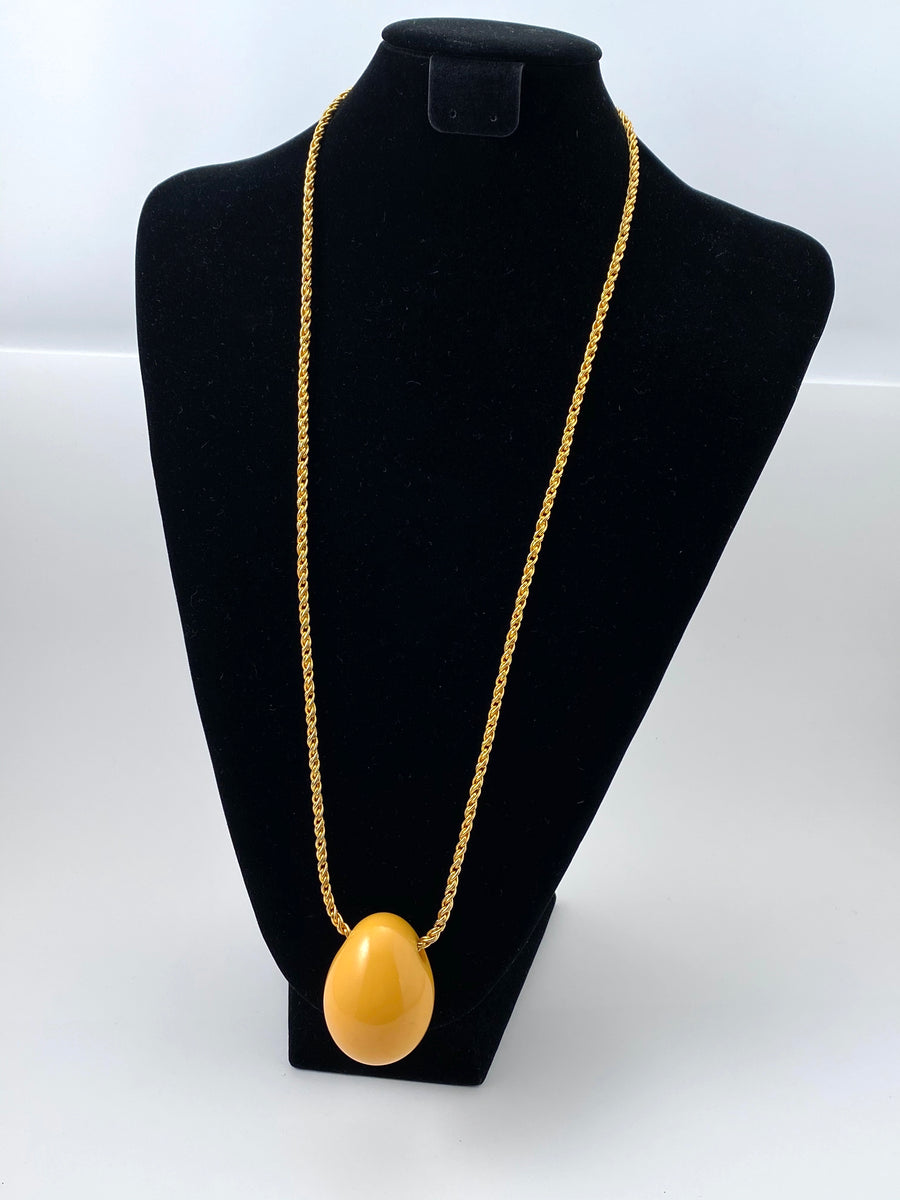 1970s Yellow Modernist Bakelite Pendant Necklace Cadoro