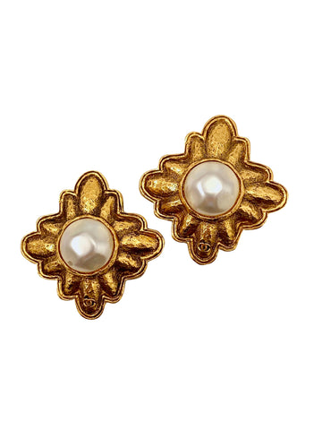 1980s Chanel Diamond Shaped Pearl Earrings