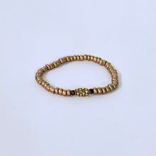 Load image into Gallery viewer, Gold Glass Beads With Center Piece Bracelet