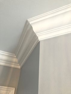 "Milan Crown Molding MDF 3/4"" x 7-3/4"" x 16' (Price per ft)"