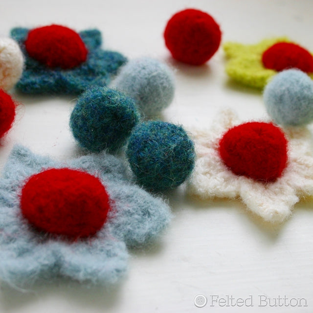 Felted Flowers and berries, free crochet pattern Berries and Blooms Bunting, Susan Carlson of Felted Button | Colorful Crochet Patterns