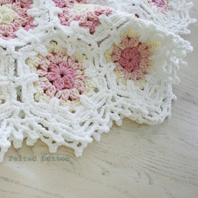 Vintage Fleur Blanket crochet pattern in pastel pinks and white cotton yarn hexagons, by Susan Carlson of Felted Button | Colorful Crochet Patterns