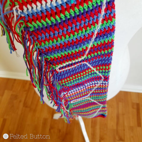 Neighborhood Scarf free crochet pattern tutorial by Felted Button | Colorful Crochet Patterns