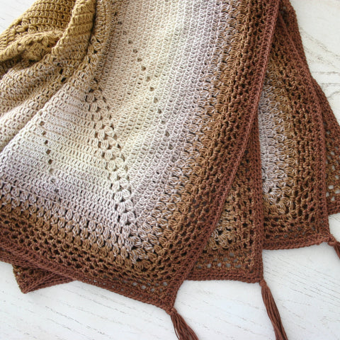Caramel Whirl Blanket | Crochet Pattern | Felted Button