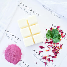 Load image into Gallery viewer, Damson Plum, Rose & Patchouli Wax Melt - Aphrodyte