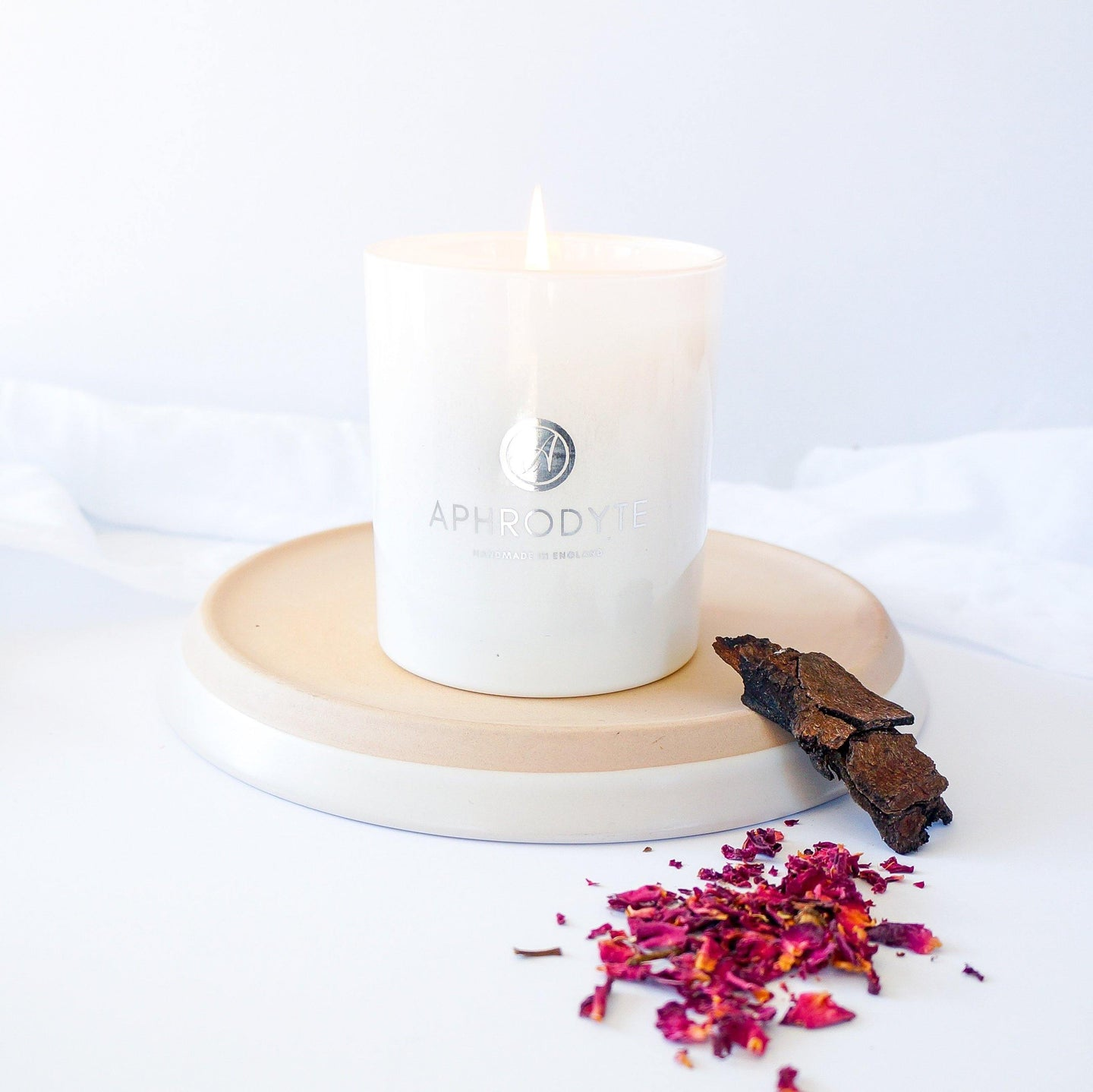 Damask Rose & Oud Candle - Aphrodyte
