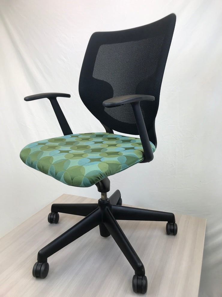 Keilhauer Simple Chair - Circle Pattern Green - Pre-Owned - Joe's Discount Office Furniture