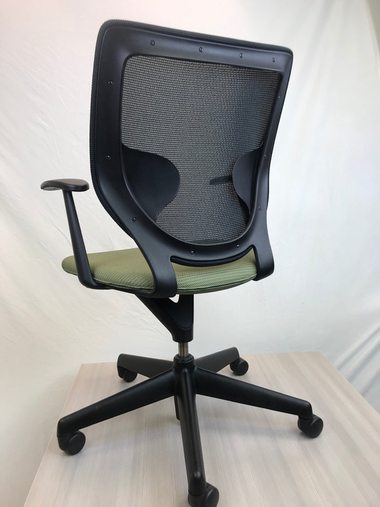 Keilhauer Simple Chair - Zig Zag Solid Green - Pre-Owned - Joe's Discount Office Furniture