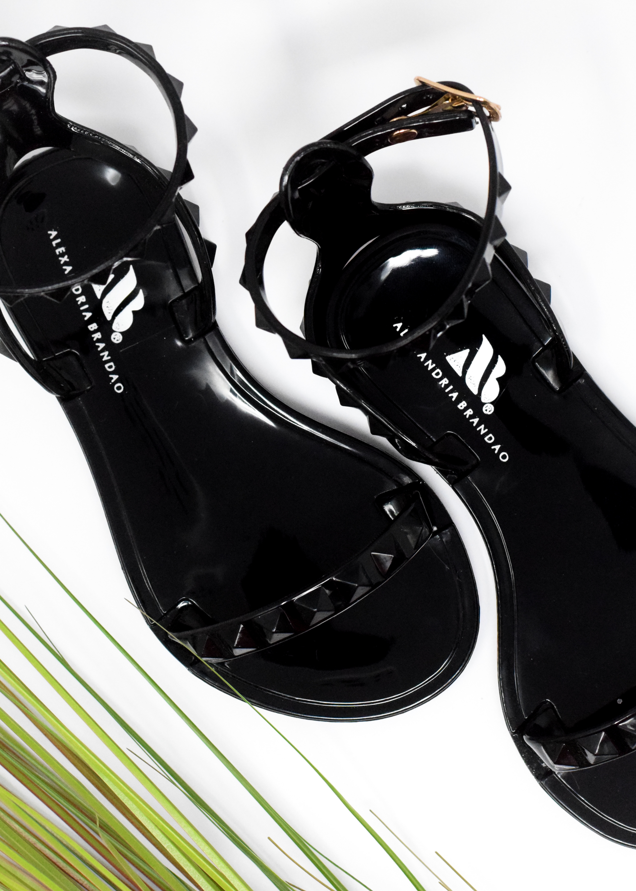 Women's gold sandals with gold glitter sole bottom. Women's gold jelly sandals. Women's ARIA gold shoe by Alexandria Brandao Shoes Miami. Women's mommy and me gold shoes. Women's gold mommy and me sandal to match with her daughter's gold sandals.