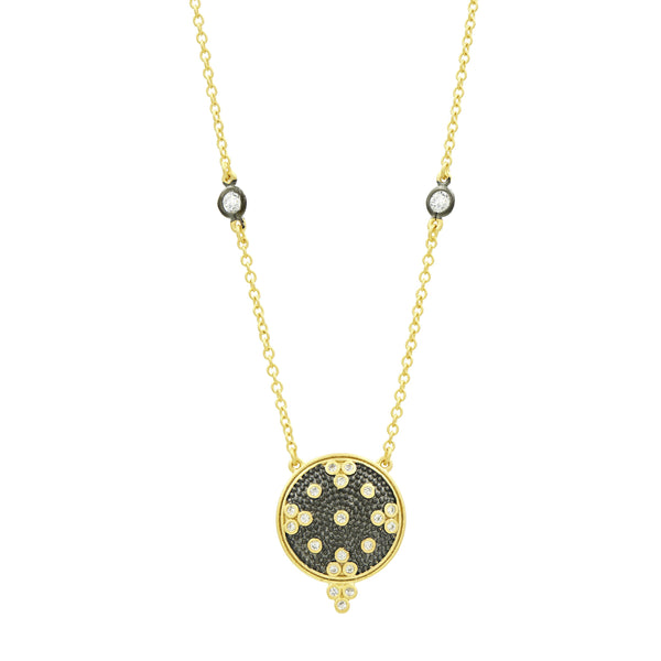 Signature Clover Disc Pendant Necklace