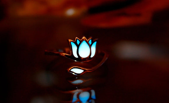 Silver Lotus Ring Glow in the Dark / Flower Ring / Sterling Silver 925 Ring / White Lotus /