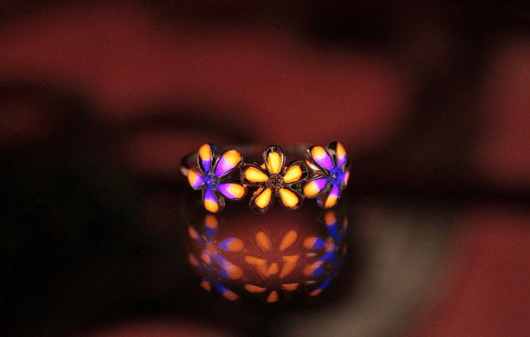 Daisies Flower Ring / Glow in the Dark / Sterling Silver Ring / Flower Ring /