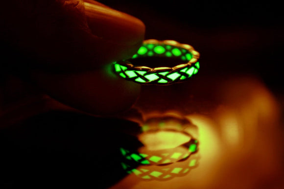 Celtic Knots Ring / Glow in the Dark / Sterling Silver Celtic Ring /