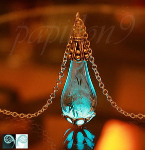 Dandelion seeds Pendant  / Glow in the dark / Gold Pendant / Teardrop Pendant / Silver Pendant / Glass Teardrop /