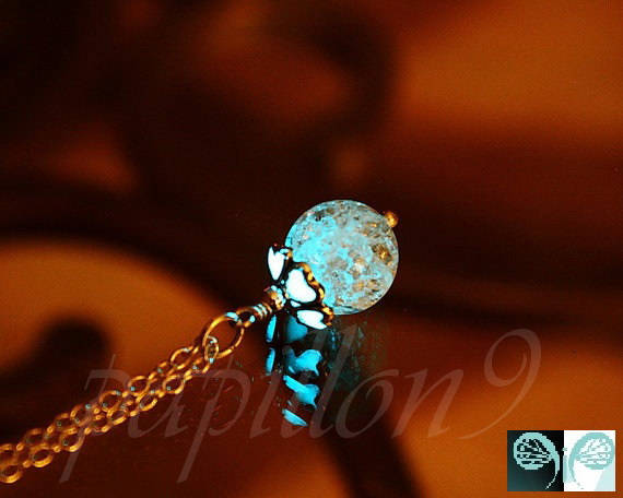 Cracked clear crystal Pendant / Glow in the Dark /
