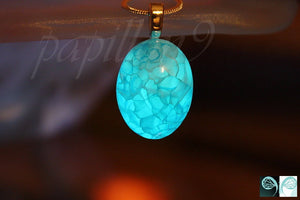 Dragon Veins Agate Pendant / Glow in the Dark /  Light Blue Agate Cabochon /