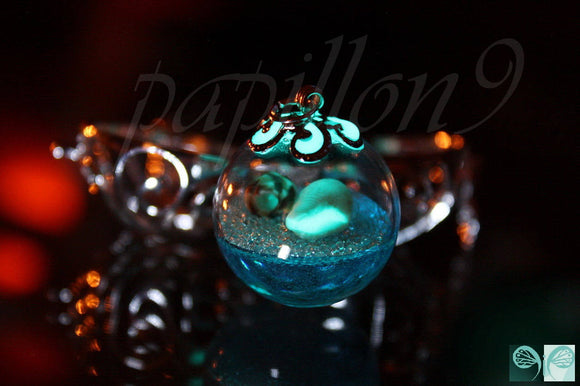 Sea LOCKET / Glow in the Dark / Glow Sea Locket / Tiny Sea shells / Glass Bubble necklace /