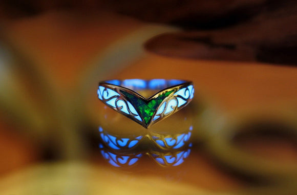 Celtic V ring Glow in the Dark / Opal Celtic Ring / Sterling Silver 925 Ring / Chevron Ring /
