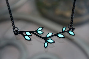 Black LEAVES Necklace / Branch necklace / GLOW in the DARK / Leaves pendant /
