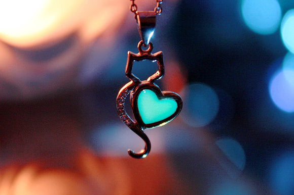 CAT Pendant Glow in the Dark / Sterling Silver 925 Neckalce / Cat Heart pendant /