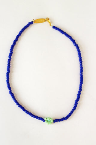 Single Blue Daisy Necklace
