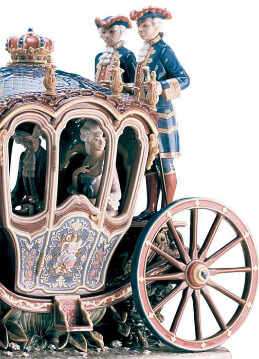 Lladro XVIIIth Century Coach Sculpture - Limited Edition