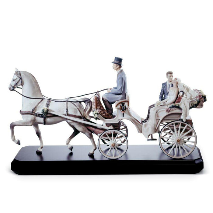 Lladro Bridal Carriage Couple Sculpture - Limited Edition