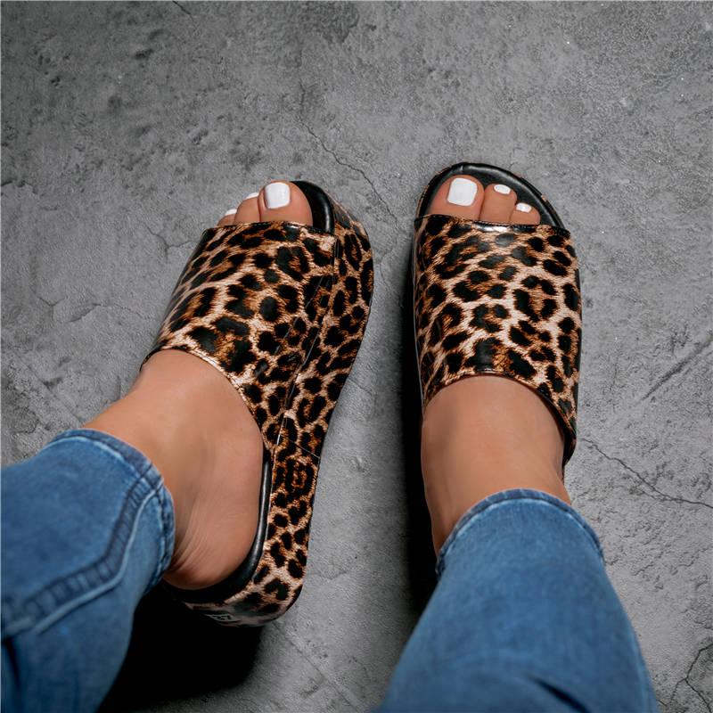 Women Casual Large Size Animal Pattern Muffin Sandals