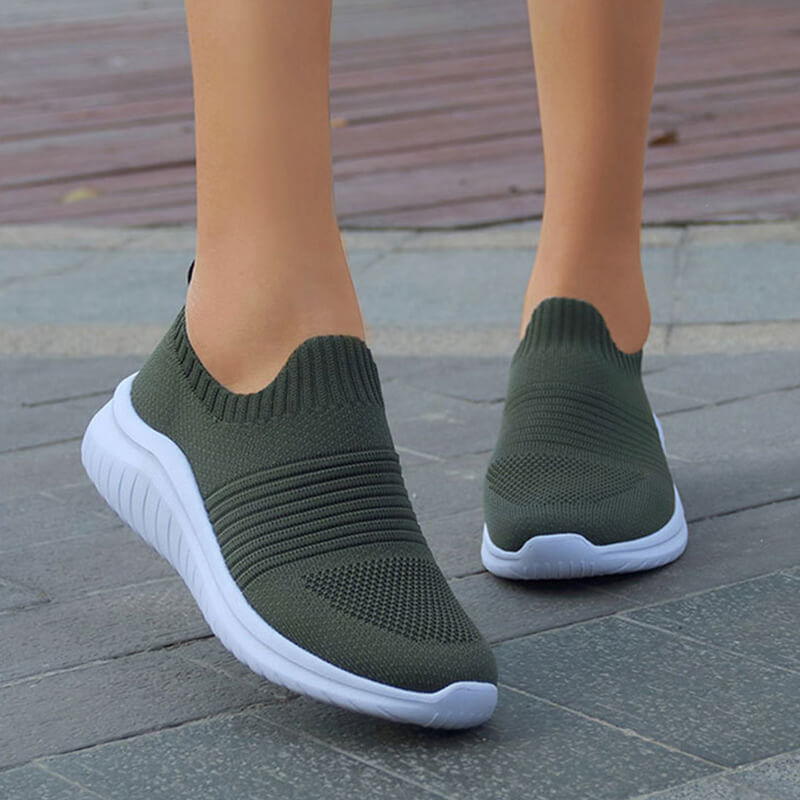 Women Fabric Stripe Slip On Flat Heel Sneakers
