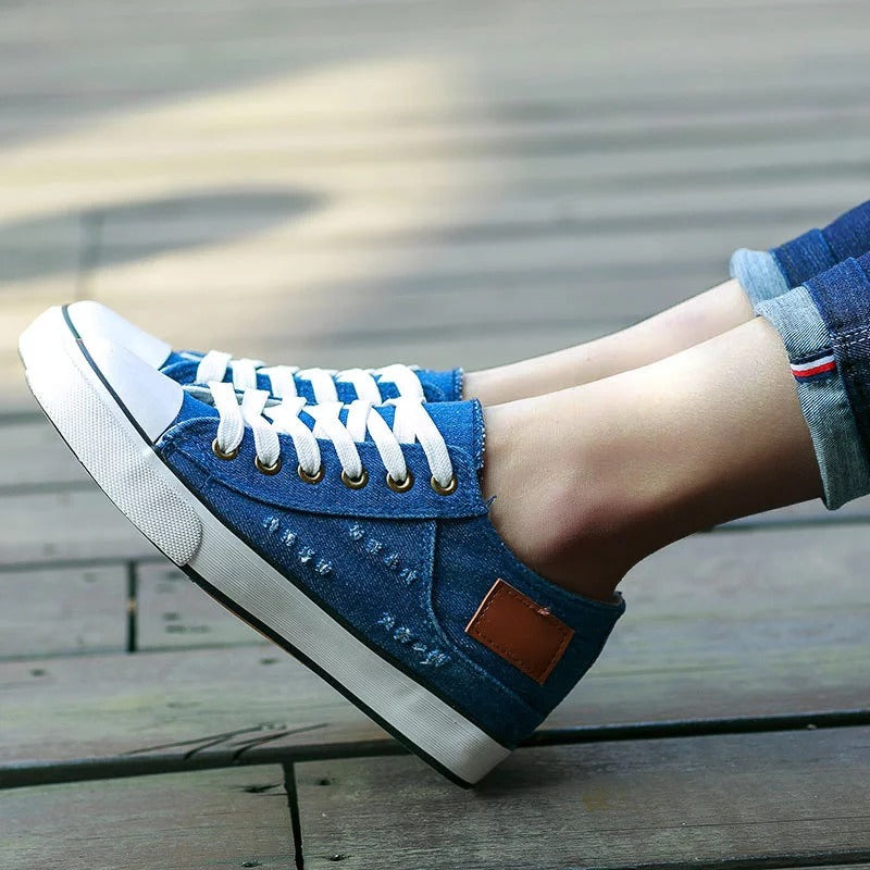Women Canvas Flat Heel All Season Sneakers