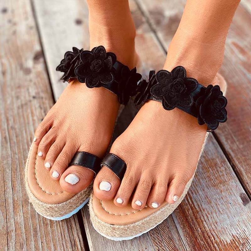 Women Summer Seaside Flower Pattern Thongs Grass Weaving Slippers