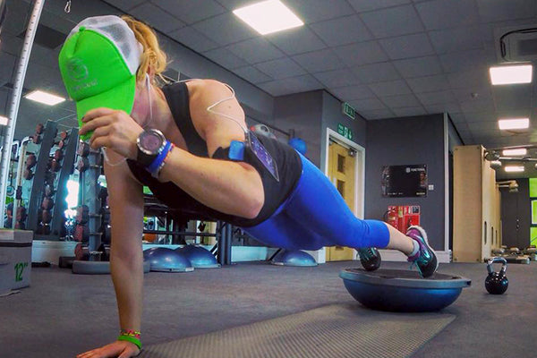 Laura Kennington Uses the Quad Lock armband for training at the gym
