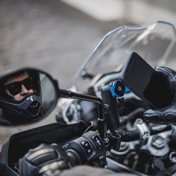 Google Pixel 3 Mounted to Harley Motorcycle Handlebars