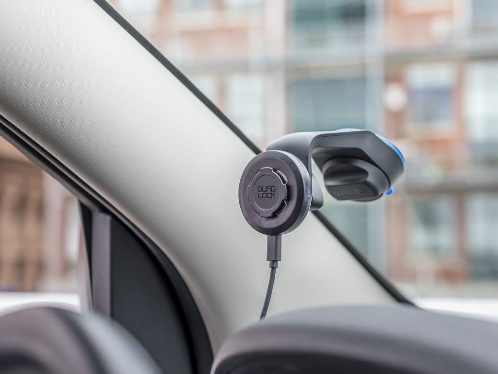 Car Mount on Car Windscreen using suction cup