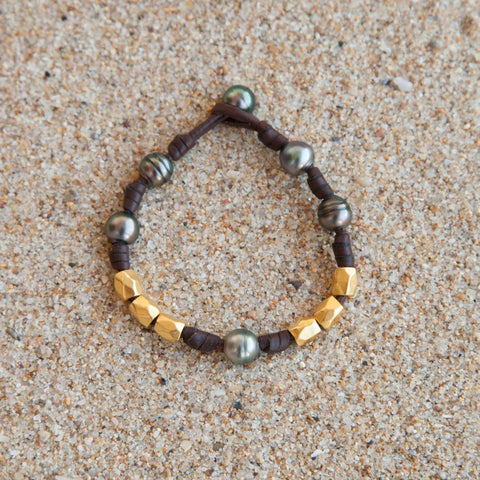 Tahitian pearls and gold beads bracelet