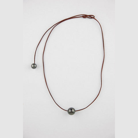 Julia Single Tahitian pearl necklace
