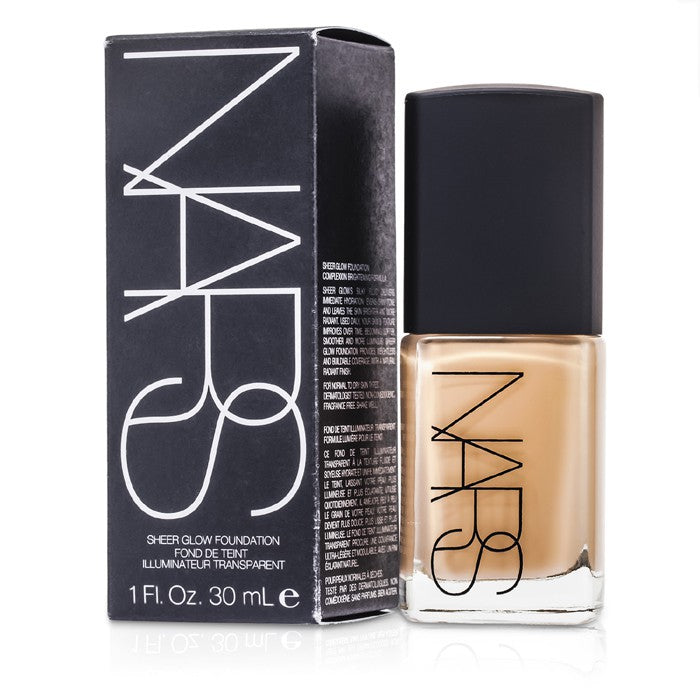 NARS Sheer Glow Foundation - Santa Fe (Medium 2 - Medium with Peachy Undertone) 30ml