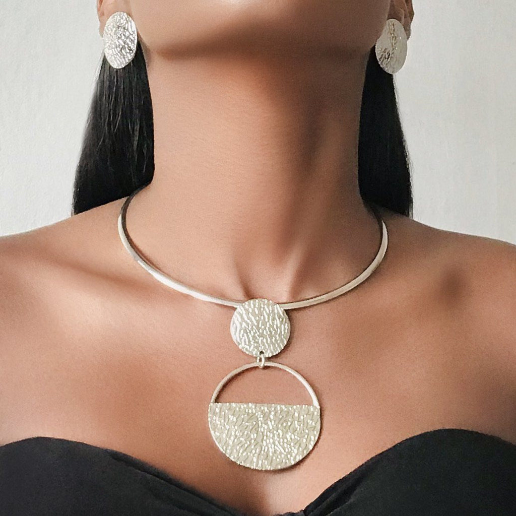 SHUBRA Statement Geometric Fashion Necklaces & Earrings Set Set 𝐉𝐚𝐫𝐥𝐢𝐚 𝐁𝐲 𝐉𝐨𝐥𝐢𝐧𝐚 Silver Set