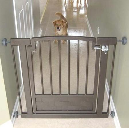 Royal Weave Hallway Dog Gate - Black