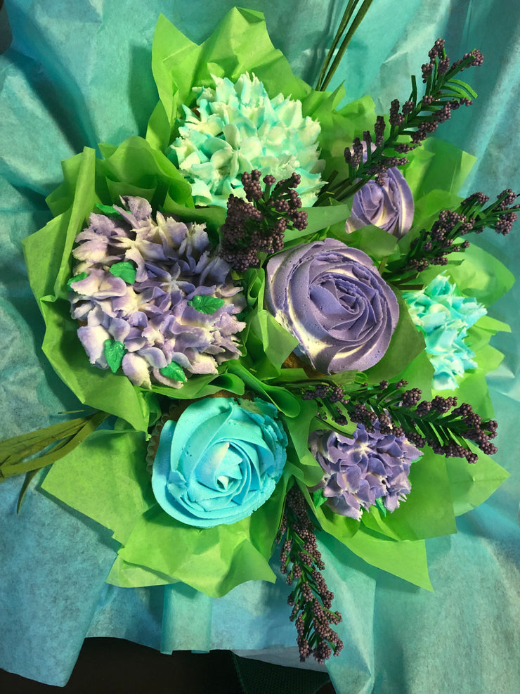 Lilac & Blue Flowers Cupcake Bouquet
