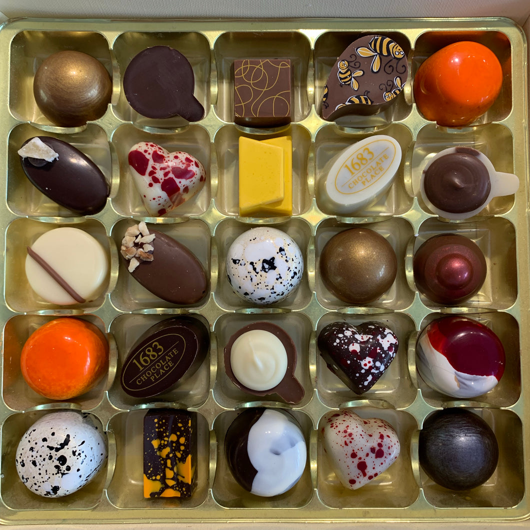 Alcohol Free Selection Box of 25 Chocolates
