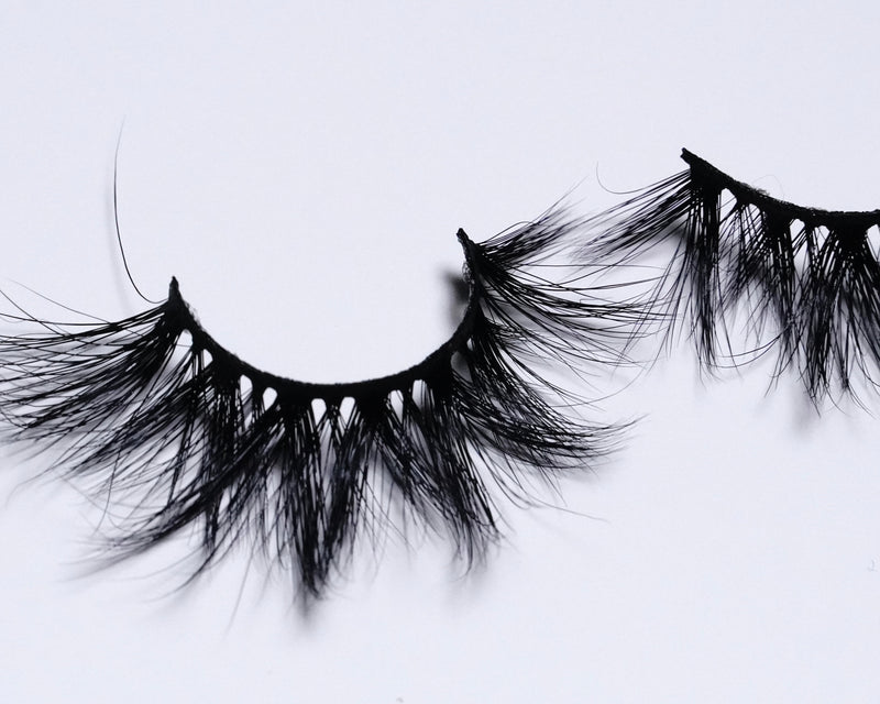 Bordeaux Lashes