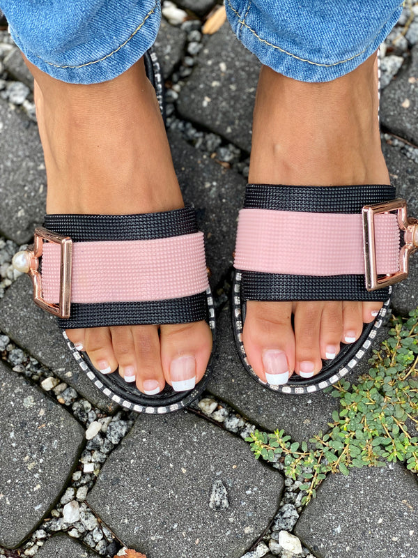 PRE-ORDER Sunday Stroll Sandals Pink