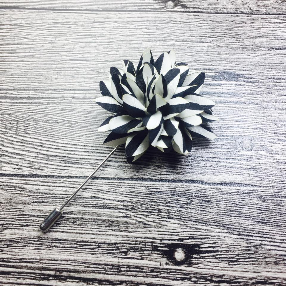 Black & White Flower Lapel Pin