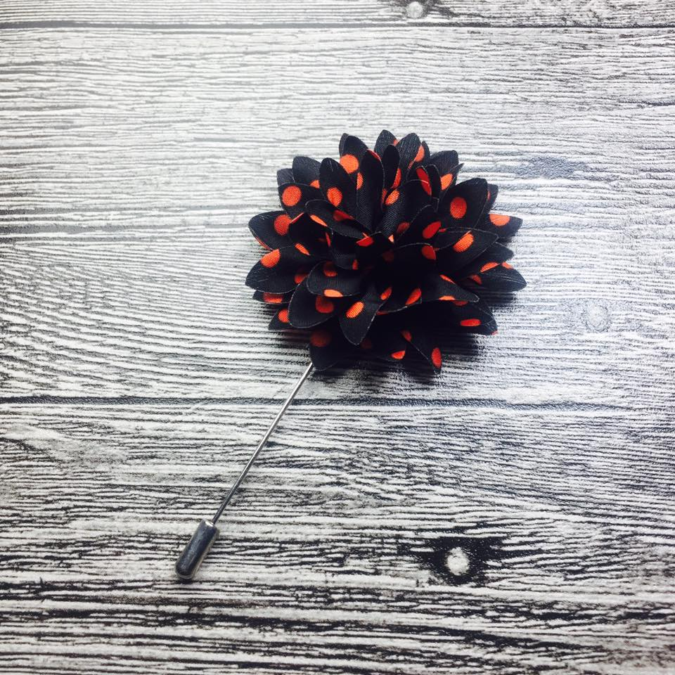 Black & Red Dots Flower Lapel Pin