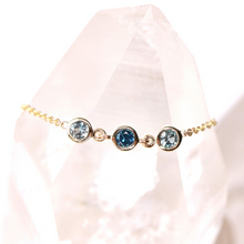 Load image into Gallery viewer, sapphire bezel and chain bracelet