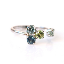 Load image into Gallery viewer, Madagascar sapphire cluster ring