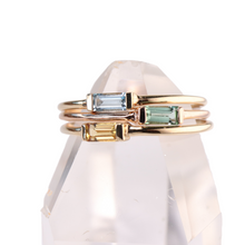 Load image into Gallery viewer, seafoam tourmaline baguette stacking ring