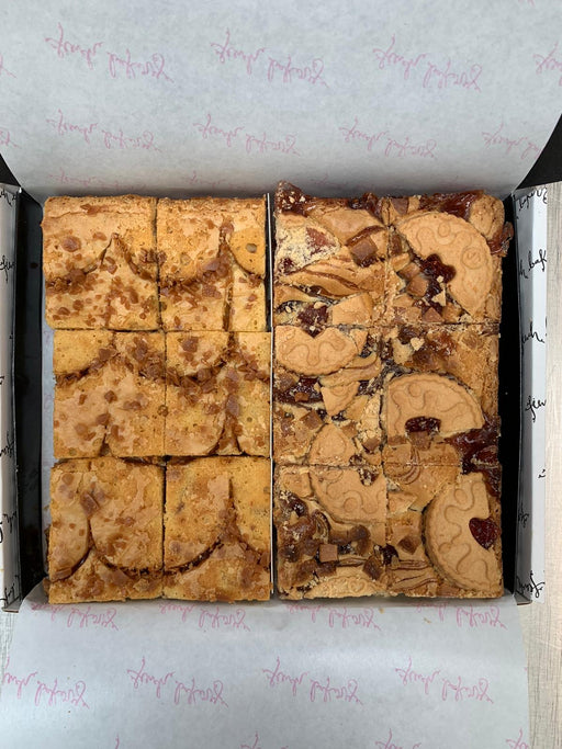 Jam Blondie & Caramel Chip Blondie Box 🍓🍯