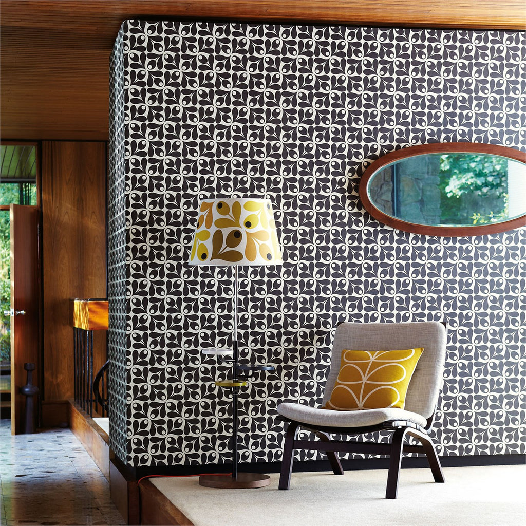 Orla Kiely Small Acorn Cup Wallpaper in Black